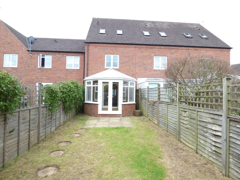 3 Bedrooms Terraced House for sale in Betjeman Road, Straford upon Avon