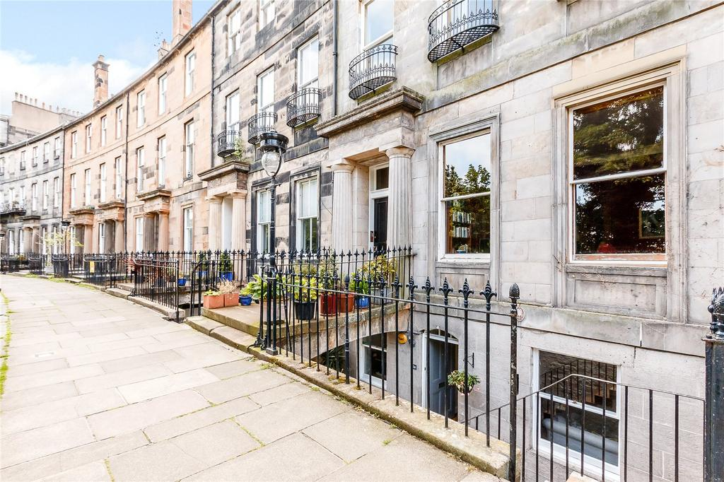4 Bedrooms Flat for sale in Royal Crescent, Edinburgh