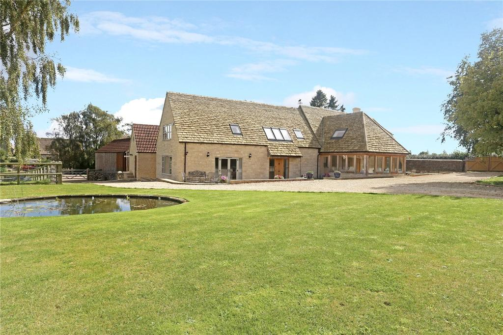 4 Bedrooms Detached House for sale in Hyde Hill, Upper Hyde, Minchinhampton, Gloucestershire