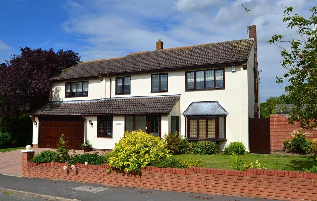 5 Bedrooms Detached House for sale in Cedars Lane, Capel St. Mary, Ipswich, Suffolk