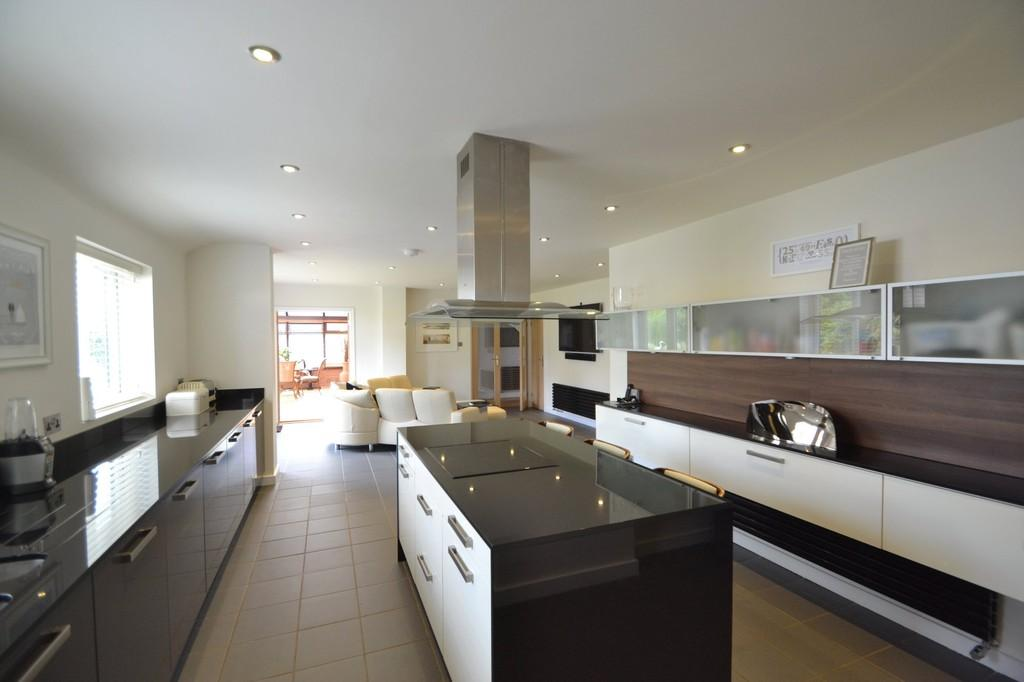 5 Bedrooms Detached House for sale in Cedars Lane, Capel St. Mary, Ipswich, Suffolk, IP9 2JA