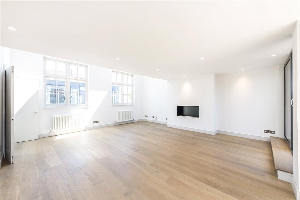 4 Bedrooms Mews House for sale in Charles Baker Place, London, SW17
