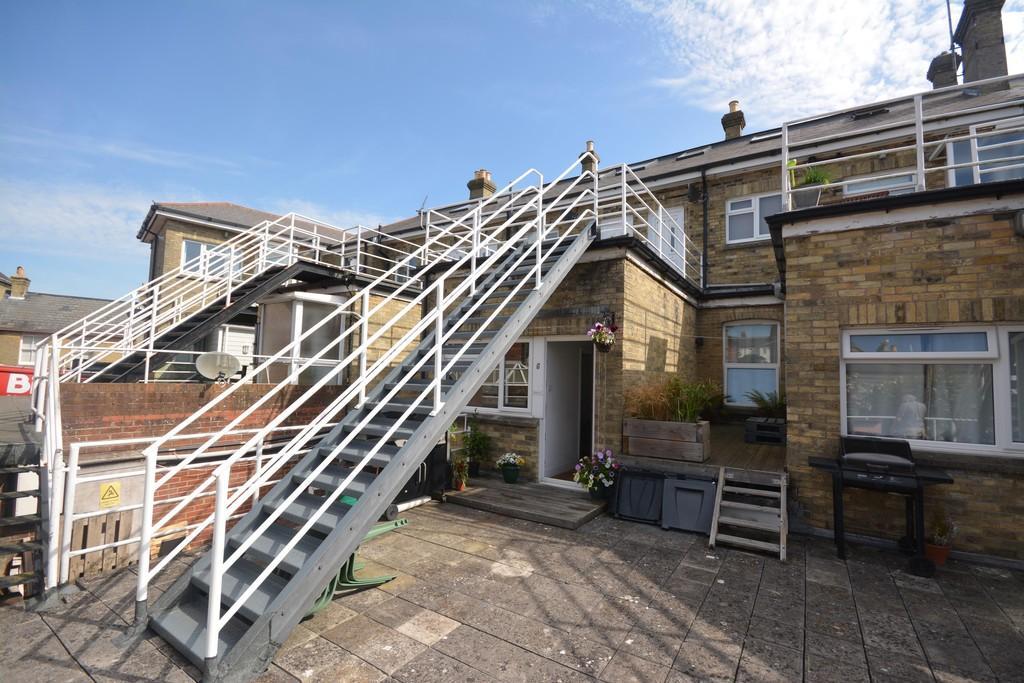 2 Bedrooms Flat for sale in Birmingham Road, Cowes
