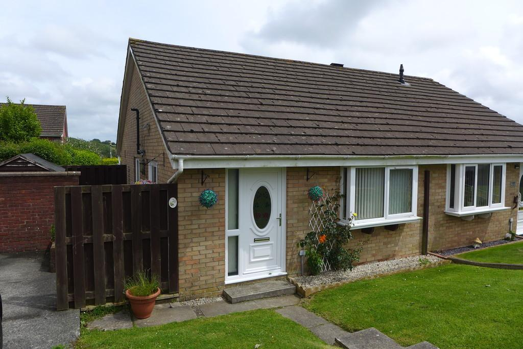 2 Bedrooms Semi Detached Bungalow for sale in Wordsworth Avenue, Haverfordwest