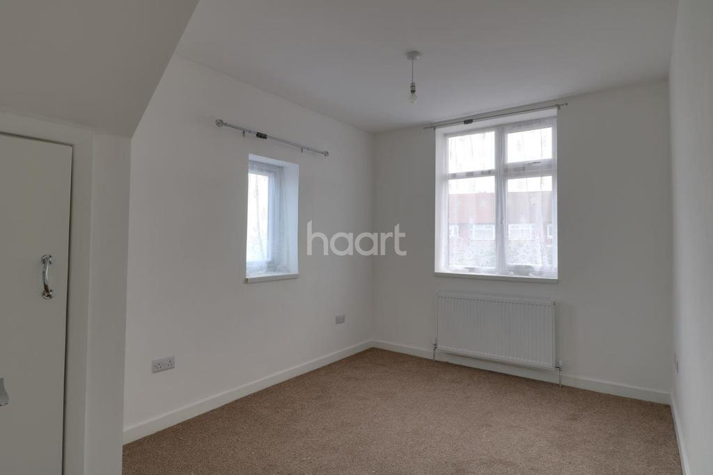 4 Bedrooms End Of Terrace House for sale in Southall