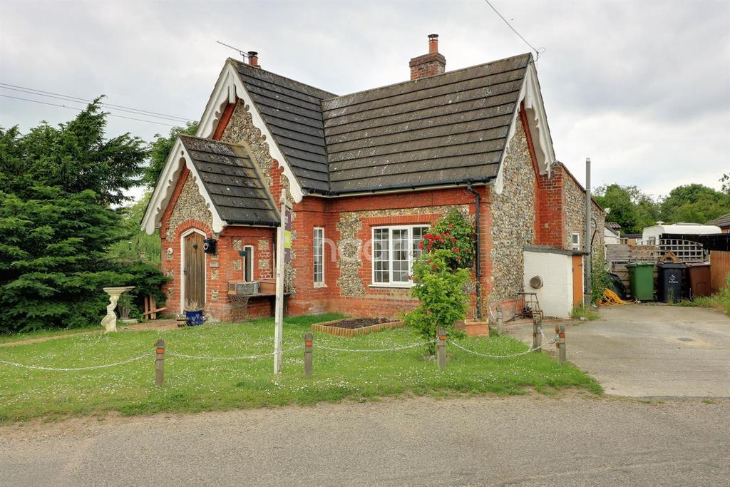 2 Bedrooms Cottage House for sale in Tanners Green, Garvestone