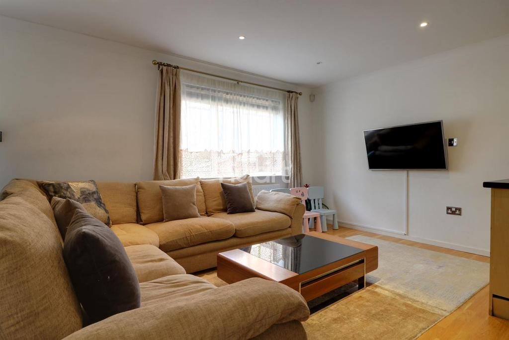 2 Bedrooms Flat for sale in The Avenue, Wembley Park