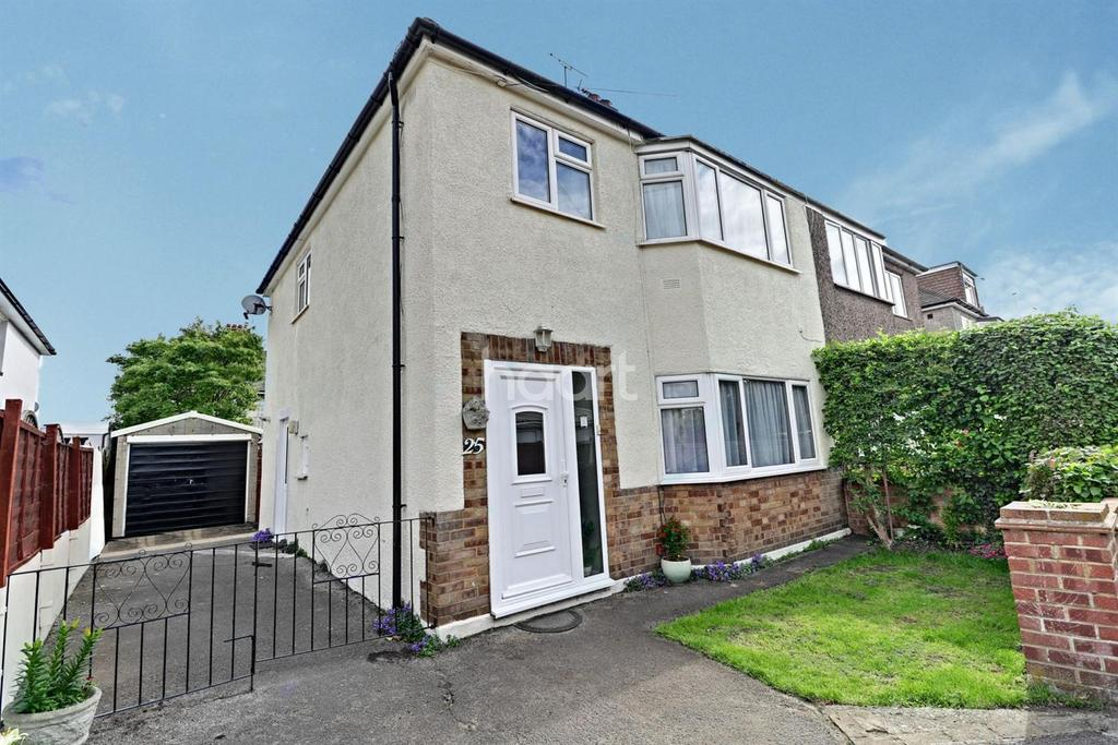 3 Bedrooms Semi Detached House for sale in Woodward Terrace. Greenhithe, DA9