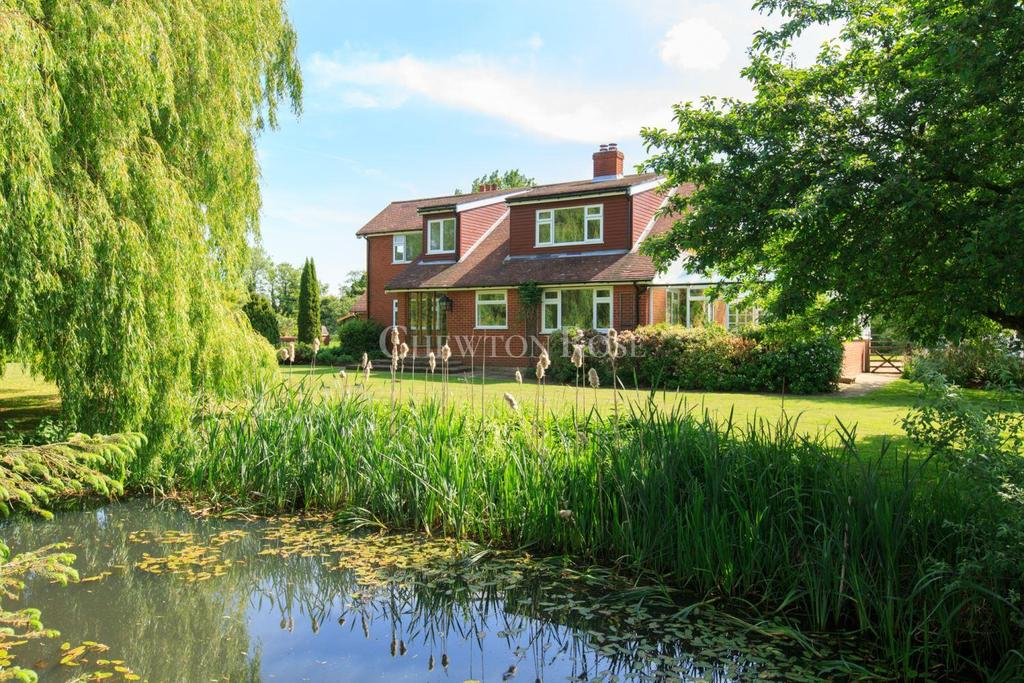 4 Bedrooms Detached House for sale in NEAR DISS