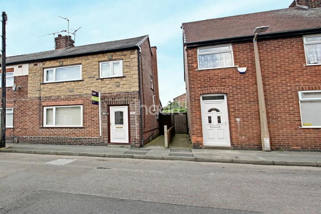 3 Bedrooms Semi Detached House for sale in Claremont Avenue, Hucknall
