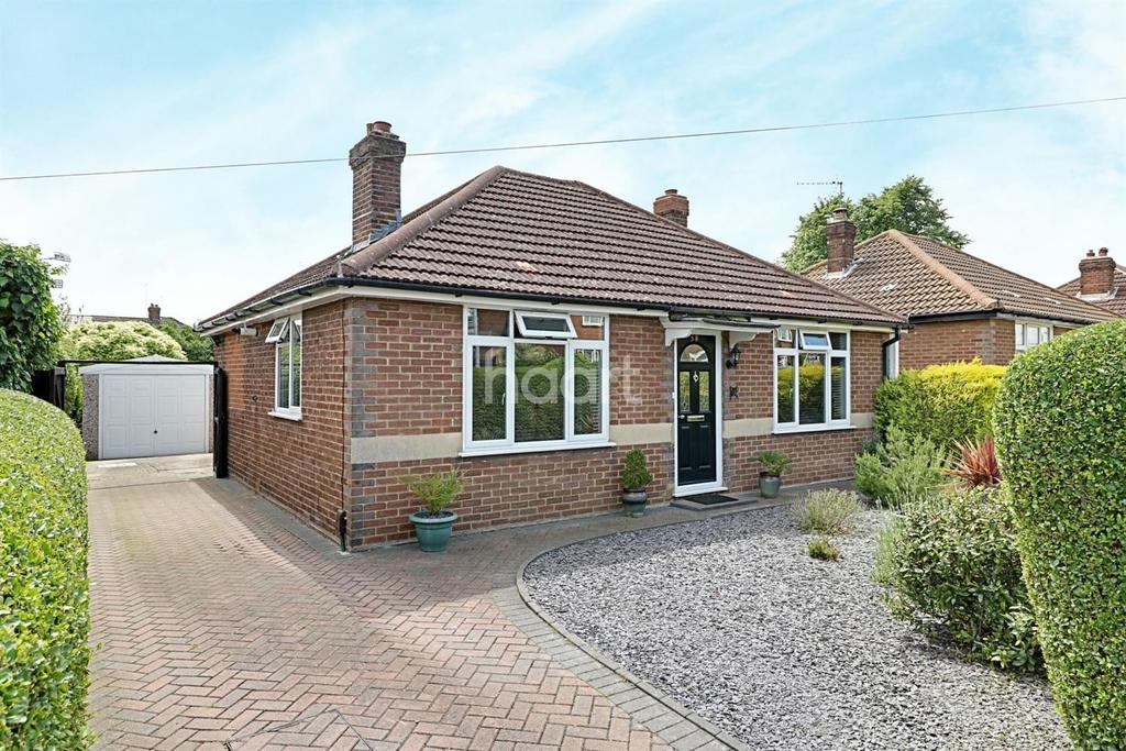 2 Bedrooms Bungalow for sale in Delightful In Hawthorn