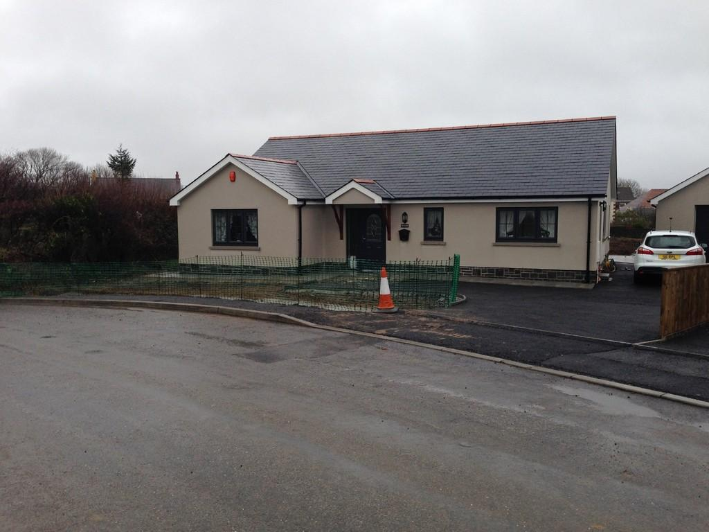 3 Bedrooms Detached Bungalow for sale in Bancffosfelen, Llanelli