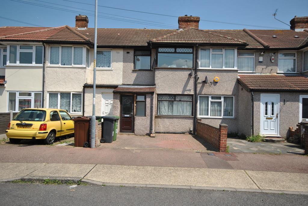3 Bedrooms Terraced House for sale in Beam Avenue, Dagenham