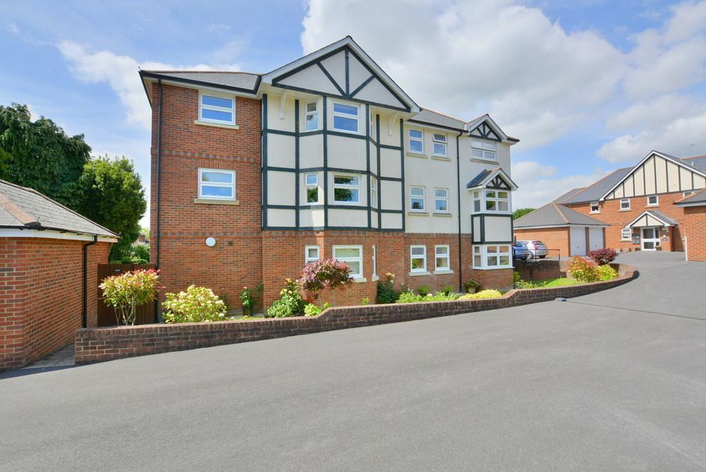 2 Bedrooms Apartment Flat for sale in Dewlands Way, Verwood