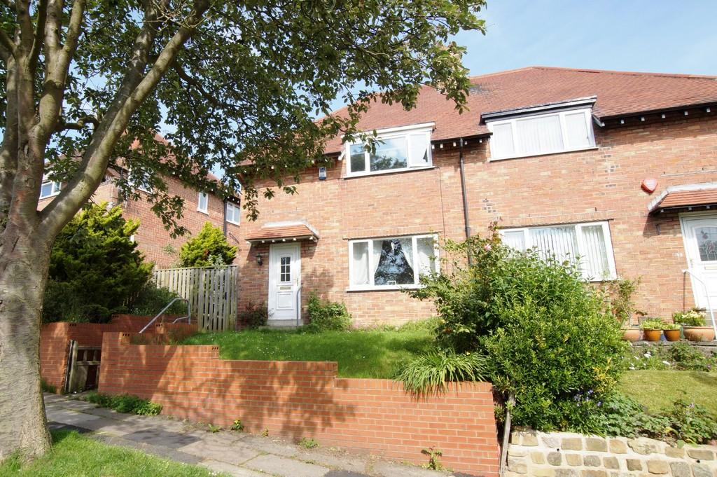 3 Bedrooms Semi Detached House for sale in Prospect Mount Road, Scarborough