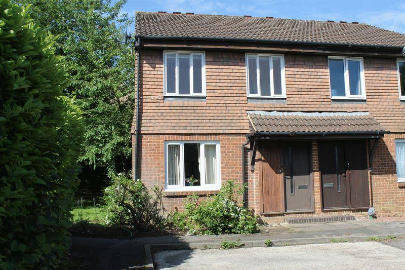 1 Bedroom Maisonette Flat for sale in Burpham