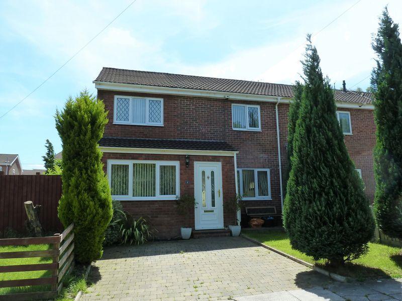 4 Bedrooms End Of Terrace House for sale in Westward Close Bridgend CF31 4XD