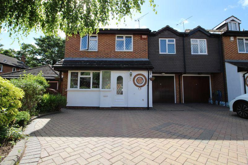 4 Bedrooms Link Detached House for sale in Sedcombe Close, Sidcup