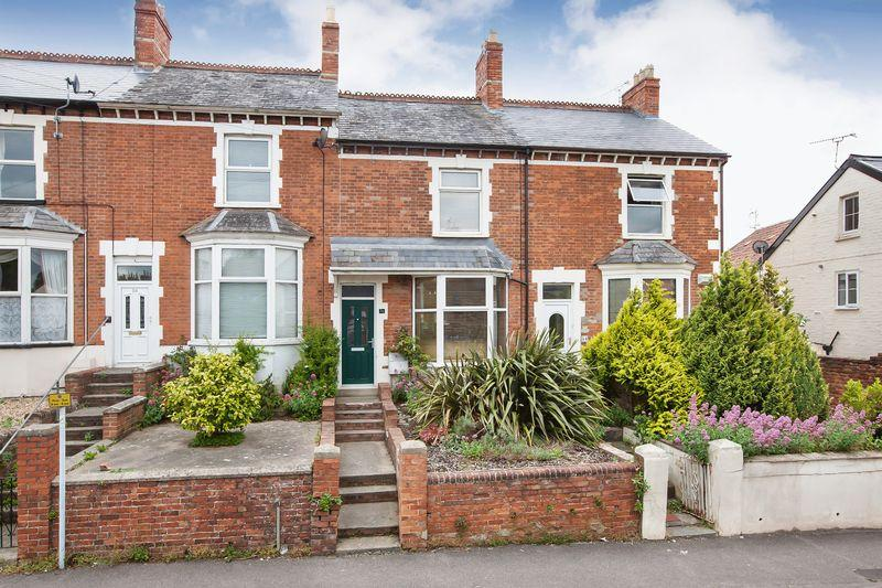 3 Bedrooms Terraced House for sale in KINGSTON ROAD