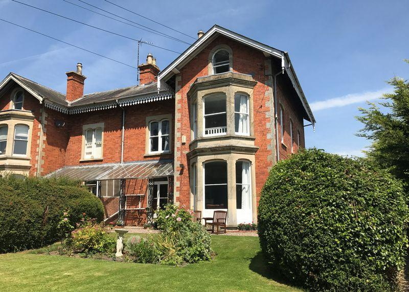 5 Bedrooms Semi Detached House for sale in Belmont, Wantage