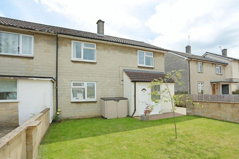 3 Bedrooms Semi Detached House for sale in Dickens Avenue, Corsham