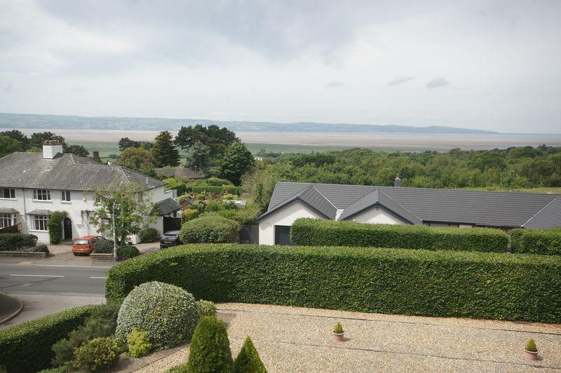 2 Bedrooms Apartment Flat for sale in Thurstaston Road, Heswall