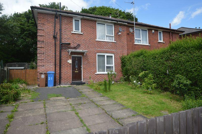 3 Bedrooms Semi Detached House for sale in Pits Farm Avenue, Rochdale
