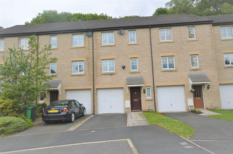 3 Bedrooms Terraced House for sale in Gale Close, Littleborough