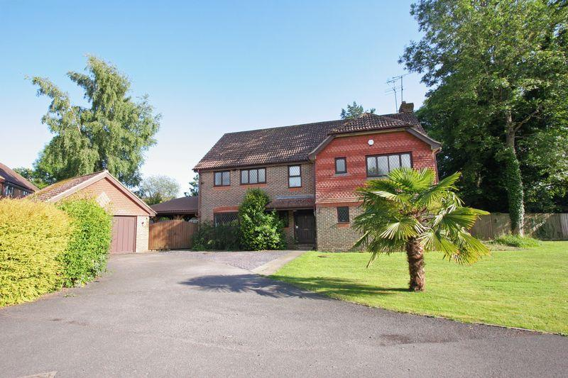 4 Bedrooms Detached House for sale in Beechwood, Small Dole