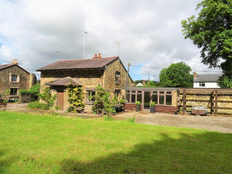 2 Bedrooms Cottage House for sale in Park Road, Wrexham
