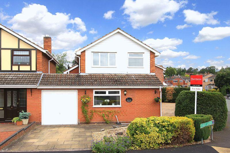 3 Bedrooms Detached House for sale in CODSALL, Ashley Gardens