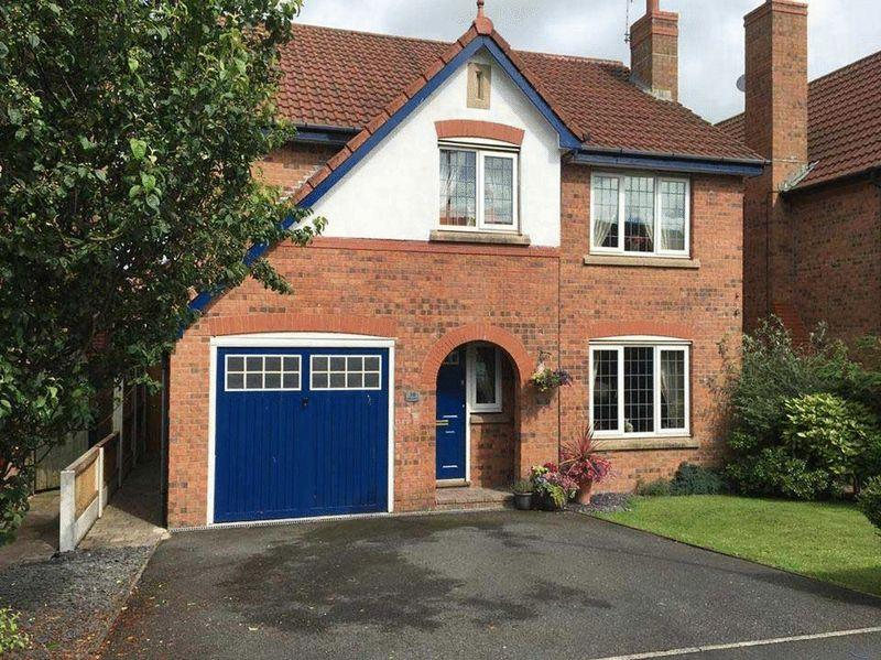 4 Bedrooms Detached House for sale in Ladybower Lane, Poulton-Le-Fylde