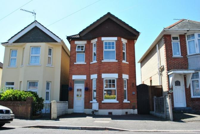 3 Bedrooms Detached House for sale in Strouden Road , Winton