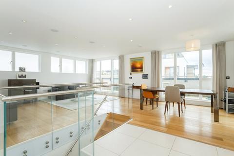 3 bedroom penthouse to rent - Newton Court, Kingsley Walk, Cambridge, CB5