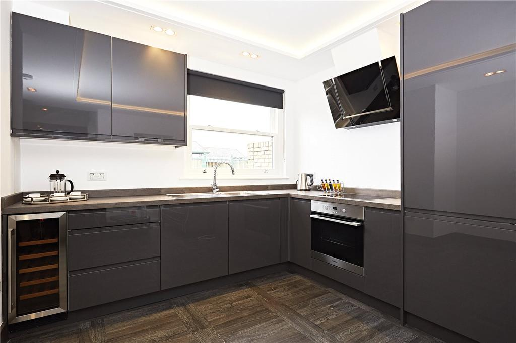 2 Bedrooms Flat for sale in Horn Lane, London, W3
