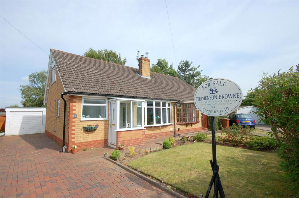 2 Bedrooms Semi Detached House for sale in Barwood Avenue, Church Lawton