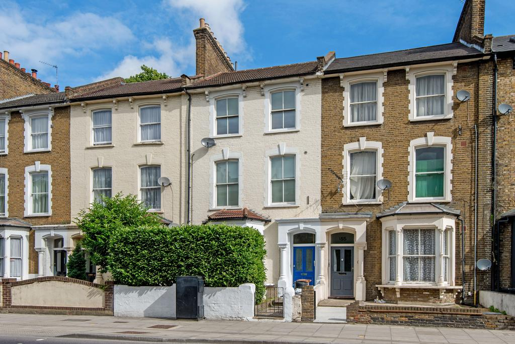 3 Bedrooms Duplex Flat for sale in Graham Road, Hackney, London E8