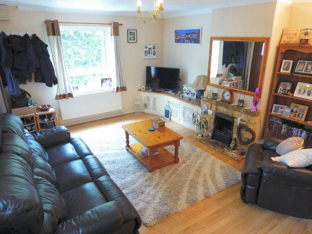 2 Bedrooms Semi Detached House for sale in Portway Drive, Croughton