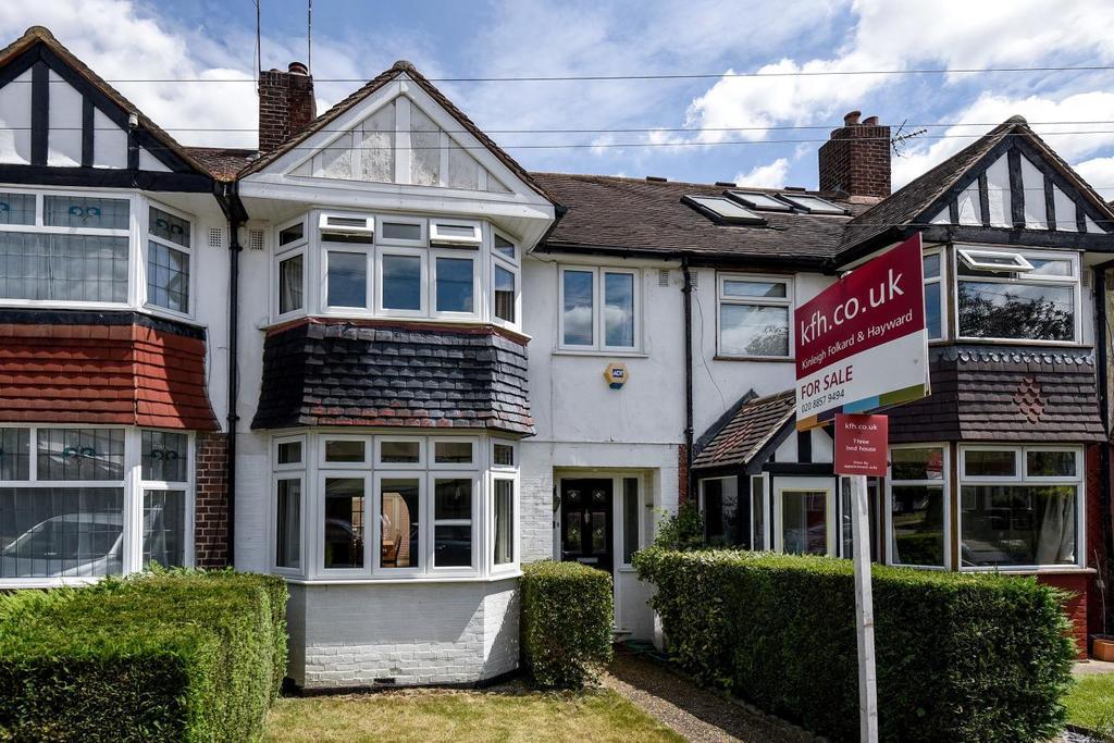 3 Bedrooms Terraced House for sale in Westdean Avenue, Lee, SE12