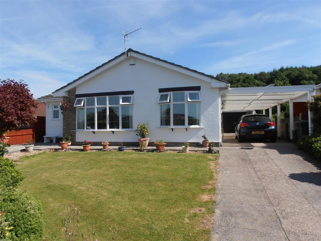 3 Bedrooms Detached Bungalow for sale in Cwmbach