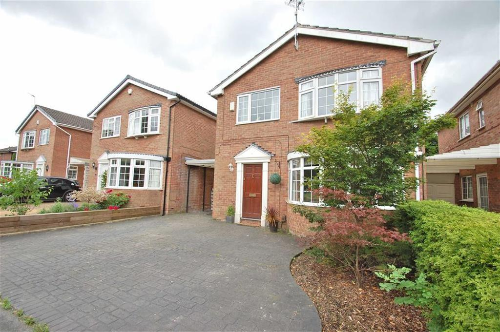 4 Bedrooms Detached House for sale in Bude Close, Bramhall, Cheshire