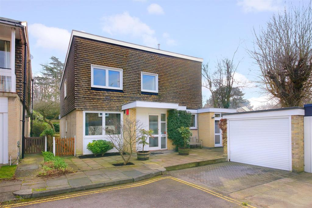 4 Bedrooms Detached House for sale in View Close, London