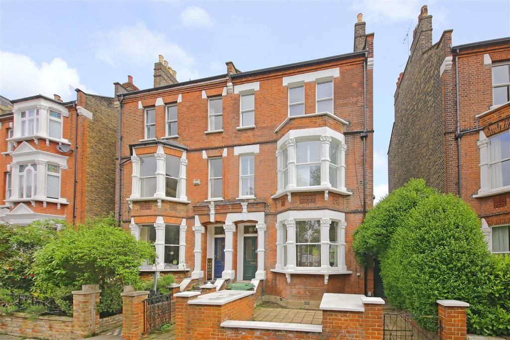 2 Bedrooms Maisonette Flat for sale in Savernake Road, London
