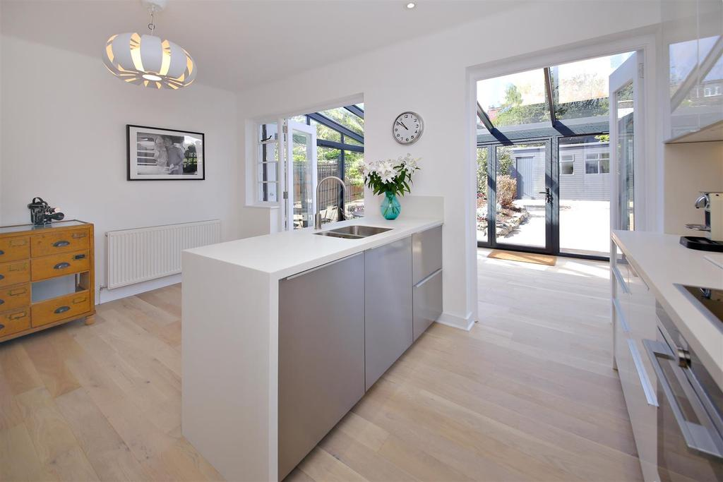 5 Bedrooms House for sale in Parkhill Road, London
