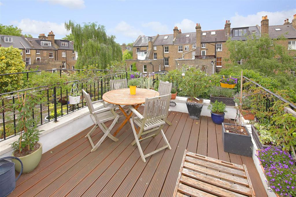 3 Bedrooms Maisonette Flat for sale in Courthope Road, London