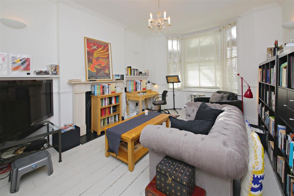 2 Bedrooms Flat for sale in Estelle Road, London