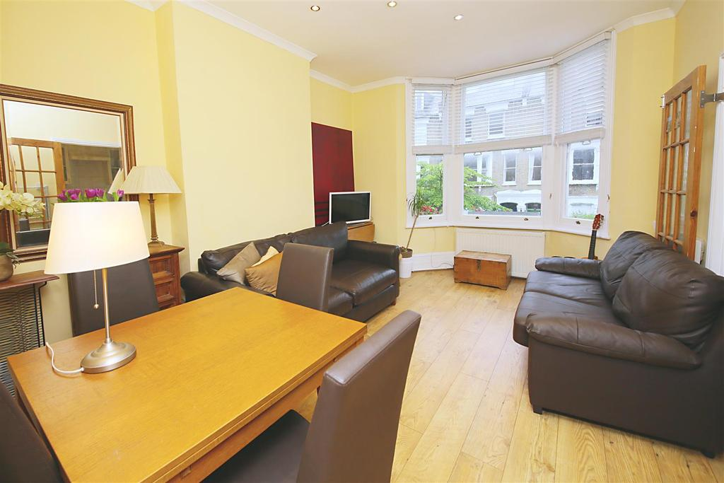 2 Bedrooms Flat for sale in Courthope Road, London