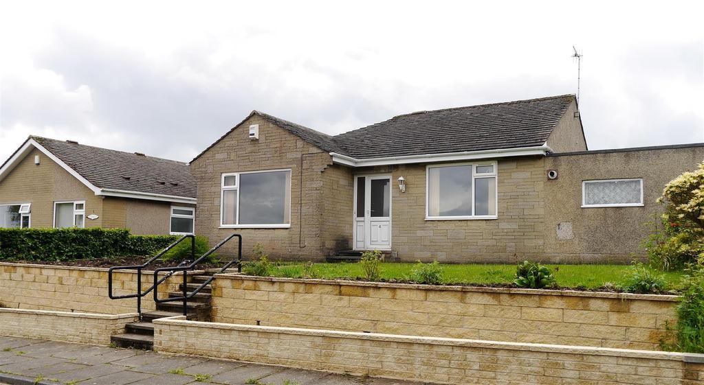 2 Bedrooms Detached Bungalow for sale in Snape Drive, Horton Bank Top, Bradford, BD7 4LZ