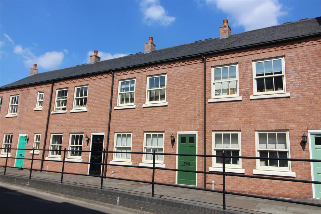 2 Bedrooms Terraced House for sale in St. Julians Crescent, Shrewsbury