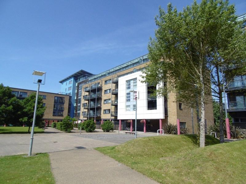 2 Bedrooms Apartment Flat for sale in Ferry Court, Cardiff